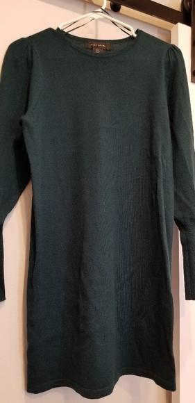 Tahari Dresses & Skirts - Tahari Hunter Green Sweater Dress